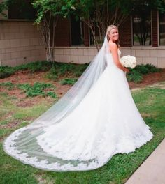 Toni Federici By Monique Lhullier Lace Trim Cathedral Veil- New ...