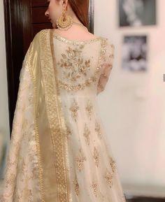 Nikkah Dress, Shadi Dresses, Pakistani Formal Dresses, Indian Gowns Dresses, Anarkali Dress, Pakistani Fashion Party Wear, Pakistani Wedding Outfits, Pakistani Dress Design, Pakistani Wedding Dresses