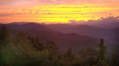 """""""Almost Heaven"""" House vacation rental in Asheville from VRBO.com $1750/week with 4 full bedrooms all with balconies/porches"""