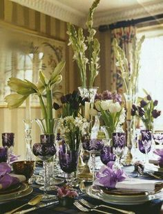 Purple and white table scape. Gorgeous.