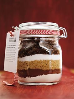 Brownie Recipes 63296 Ricardo recipe from Brownies in jar to offer Brownie Mix In A Jar Recipe, Brownies In A Jar, Brownie Recipes, Brownie Jar, Ricardo Recipe, Mason Jar Gifts, Pot Mason, Meals In A Jar, Food Gifts