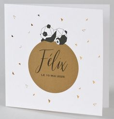Faire-part naissance original panda assoupi cuivre Buromac Baby Folly Annonce de naissance Original Burkin Baby Folly Happy Soul, New Baby Cards, Love Bugs, Creative Inspiration, Kids And Parenting, Letterpress, Photo Book, Baby Room, Hand Lettering