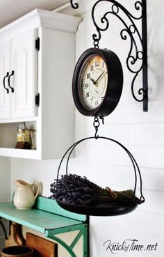 DIY Kitchen Decor Ideas - Vintage Grocery Hanging Scale Clock - Creative Furniture Projects, Accessories, Countertop Ideas, Wall Art, Storage, Utensils, Towels and Rustic Furnishings http://diyjoy.com/diy-kitchen-decor-ideas