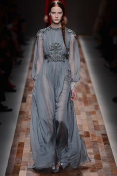 Fall 2013 Ready-to-Wear Valentino Beautifully Vintage Inspired Couture Fashion, Runway Fashion, High Fashion, Love Fashion, Fashion Show, Fashion Design, Paris Fashion, Valentino Dress, Valentino Paris