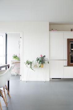Eindelijk: alles over onze Novilon vloer! - dirksdotter blog Kids Watercolor, Paint Pens, Vinyl Flooring, Home Projects, Home Kitchens, New Homes, Living Room, Interior Design, House