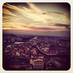 … and so the story ends.(Florence at sunset from the tower of the Palazzo Vecchio)  I left Florence this morning at 7am with a head full of ideas and a bag of memories (and pebbles from Vinci…), which means that sadly the daily updates will stop. However, as I took over 600 photos, I will go through them all and compile a post of images - all in connection with Leonardo - that I've not yet shown here, and I think I may still have one or the other thing to say in regards to Flore