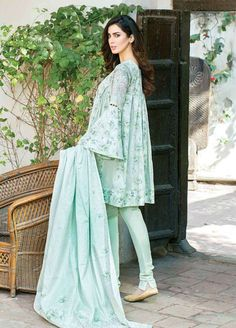 Five Star Printed Lawn Unstitched 3 Piece Suit - Spring / Summer Collection - hover Source by - Simple Pakistani Dresses, Pakistani Fashion Casual, Pakistani Dress Design, Pakistani Outfits, Indian Outfits, Indian Dresses, Indian Fashion, Kurti Pakistani, Indian Kurta