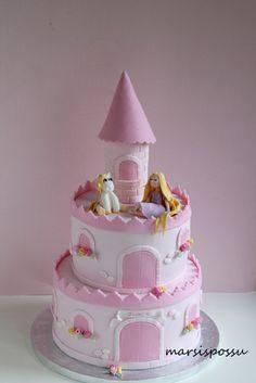 Marsispossu: Prinsessalinnakakku, Princess castle cake