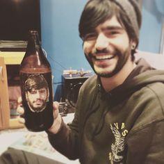 """""""Por cierto, ya soy bebida alcohólica."""""""