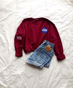 Trendy outfit, loving the NASA Sweatshirt Outfit, Look Fashion, Teen Fashion, Fashion Outfits, Lolita Fashion, Fashion Boots, Mode Outfits, Casual Outfits, School Outfits