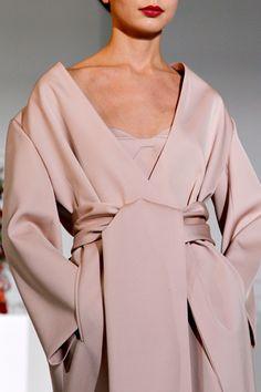 vaguely kimono-ish...like!
