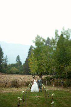 Wallowa Lake Wedding by Amy McCall Photography | Apple Brides