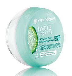 Our Hydra Végétal Moisturizing Cream with SPF 25! Notre Crème hydratante Hydra Végétal, un des 10 produits avec FPS à ajouter à sa trousse beauté !