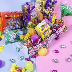 Like chocolate? You're going to LOVE this! Stay tuned at 12pm ET for the ultimate PINCHme EASTER box!