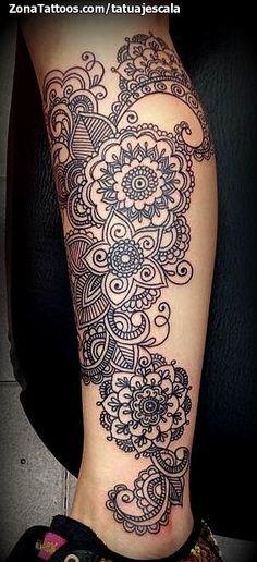 Tatuaje de Mándalas, Flores, Pierna