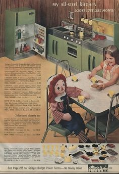 toys Christmas Had the table too but mine had a flashy orange floral table top and chairs. Retro Ads, Vintage Advertisements, Vintage Games, Vintage Toys, Christmas Past, Vintage Christmas, Childhood Days, 1970s Childhood, Raggedy Ann And Andy