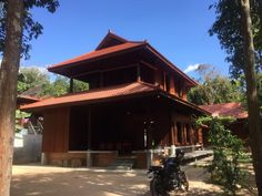 Architecture Design, Asian Architecture, Traditional Homes, Houses, Facebook, House Styles, Outdoor Decor, Travel, Homes