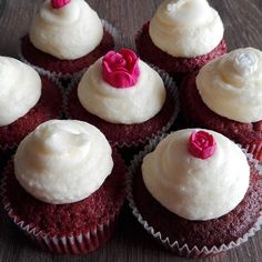 I'm in love with these Red Velvets! Original recipe from Crumbs and Doillies #blogged #redvelvet #redvelvetcupcakes #cupcake #cupcakes #crumbsanddoillies #baking #homemade #foodblogger