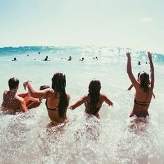 Summer Vibes :: Beach :: Friends :: Adventure :: Sun :: Salty Fun :: Blue Water :: Paradise :: Bikinis :: Boho Style :: Fashion + Outfits :: Discover more Summer Photography + Summertime Inspiration Summer Feeling, Summer Sun, Summer Of Love, Summer Beach, Summer Vibes, Pink Summer, Summer 2015, Best Friend Goals, Best Friends