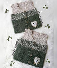 🌿🌿 En sevilen Favori Yeleğimle hayırlı akşamlar dilerim💚 Güzel günlerde sağlıkla kullanılması dileğiyle🙏🏻. 🌼 🌼 🌼 🌼 #yenidoğan… Knitting For Kids, Easy Knitting, Baby Knitting Patterns, Sewing For Kids, Crochet Patterns, Toddler Vest, Knitted Baby Clothes, Baby Vest, Vest Pattern