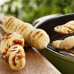 Pinnebrød Norwegian Food, Norwegian Recipes, Chorizo, Hot Dog Buns, Sausage, Muffins, Grilling, Bbq, Deserts