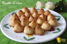 Biscotti al cocco (ricetta con soli albumi). Ricetta facile e veloce per dei biscotti al cocco senza farina, senza glutine e senza lattosio.
