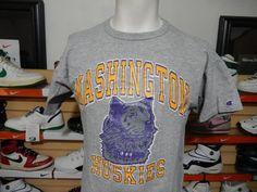 VTG Champion Washington Huskies UW T-shirt Cotton Viscose Rayon Blend Large LOOK #Champion #WashingtonHuskies