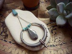Collier sautoir bohème ethnique pendentif vintage  par hinageshii