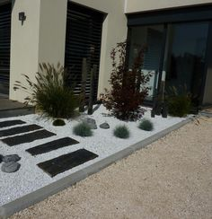 Modern White Stone Landscaping Ideas To Transform Your Yard Front House Landscaping, Stone Landscaping, Modern Landscaping, Backyard Landscaping, Landscaping Ideas, Landscape Design, Garden Design, Back Gardens, Ikebana