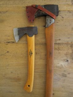 What a cool axe..Do you remember the movie...Wrong Turn...same look...can be very dangerous too...wana buy one....if pinterest used to sell items on pin too....Know its not possible..ha.haaa..:)