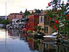 houseboats in Seattle