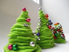A Vision to Remember All Things Handmade Blog: Dr. Seuss Christmas Trees = Awesome Kids Craft