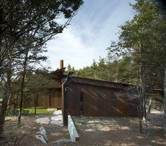Shadowboxx. Architects: Olson Kundig Architects. Location: Lopez Island, Washington, USA. Year: 2009. Photographs: Michael Burns, Tim Bies, Kevin Scott & Benjamin Benschneider.