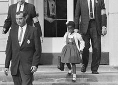 Ruby Bridges, first african-american to attend a white elementary school in the South (Nov. 14th, 1960)  http://dailylifestyle.com/rare-never-seen-photos-of-the-past/21/