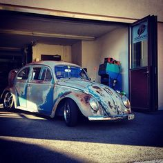 "bugbus: "" #aircoold #airmighty #aircult #vwmafia #aircooled_world #volksworld #thesamba #rothfink #coolflo #hayburner #volkswagen #zündpunkt #bug #käfer #boble #fusca #switzerland #autumn #brezel #vosvos #bugbus #sunny #veedub #slammed #patina..."