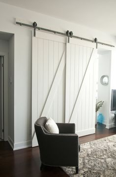 Single Track Bypassing Barn Door Hardware To Make A Den . 20 DIY Barn Doors To Add A Rustic Touch Your Home Needs . Decorating: Nice Bypass Sliding Barn Door Hardware For . Home Design Ideas Bypass Barn Door Hardware, Gate Hardware, Rico Design, Design Design, Design Elements, Design Ideas, Closet Bedroom, Closet Office, Master Bedroom