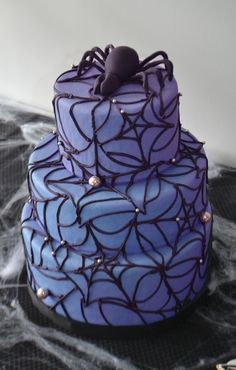 Spooky Spider Web Halloween Cake by Bake Sale. Halloween Cakes, Bake Sale, Spider, Baking, Desserts, Food, Tailgate Desserts, Spiders, Meal