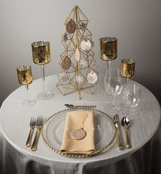 Silver and Gold Holiday Wedding centerpiece decoration idea edible cookies