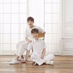 """[SMROOKIESENTERTAINMENT] #KUN #WINWIN #NCT #SMROOKIES #SMTOWN"" For more photo in main account @nct_world ◁"