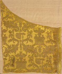 Textile fragment Unknown artist, Italian Textile fragment, 1550-1575 Silk 47.256