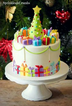 Christmas holiday cake, christmas tree and label gifts / gif.- Christmas holiday cake, christmas tree and label gifts / gifts Christmas holiday cake, christmas tree and label gifts / gifts, - Christmas Cake Designs, Christmas Cake Decorations, Christmas Tree With Gifts, Christmas Sweets, Christmas Cooking, Holiday Cakes, Christmas Holiday, Christmas Birthday Cake, Christmas Present Cake