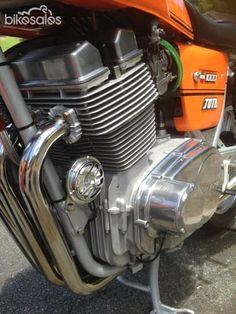 1981 Laverda Jota 1000 Vintage Motorcycles, Cars And Motorcycles, Classic Bikes, Classic Motorcycle, Motorcycle Store, Motorcycle Engine, Old Bikes, Sport Bikes, Motocross