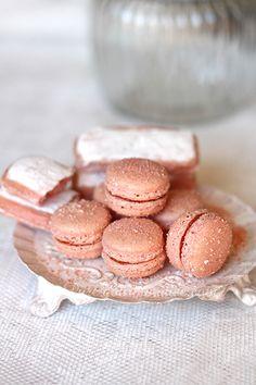 Macarons aux biscuits roses de Reims - www.puregourmandise.com