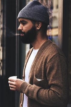 Le Fashion Blog 11 Stylish Hot Guys With Beards Street style Milo Nloh 10 photo Le-Fashion-Blog-11-Stylish-Hot-Guys-With-Beards-Streetstyle-...
