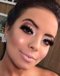 30 Pretty Christmas Makeup Ideas To Make You Look Hot Glam Makeup, Makeup Cosmetics, Eye Makeup, Love My Makeup, Makeup Looks, Burlesque Makeup, Selfies, Makeup 2018, Fairy Makeup
