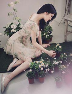 20 summer outfits ideas from asian girls Asian Woman, Asian Girl, Arabian Women, Beautiful Pregnancy, Le Jolie, Foto Pose, Korean Model, Girl Model, Ulzzang Girl