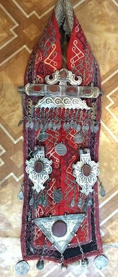 Karakalpak Haykel, jewellery spectacular piece and museum quality piece. it is very rare piece.