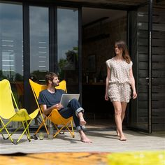 fauteuil design maxi pop up terrasse bord de piscine pinterest maxi robes design et. Black Bedroom Furniture Sets. Home Design Ideas