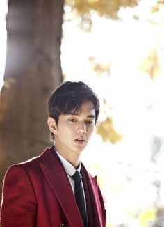 Yoo Seung Ho steals hearts as a handsome 'genius lawyer' | allkpop.com