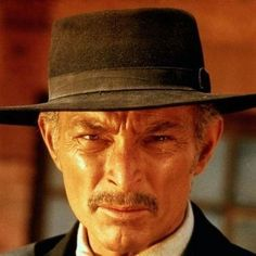Lee van Cleef as Colonel Mortimer in For a few Dollars more. Lee Van Cleef, Hollywood Actor, Hollywood Celebrities, Hollywood Usa, Day Of Anger, Movie Stars, I Movie, Tv Westerns, Star Wars